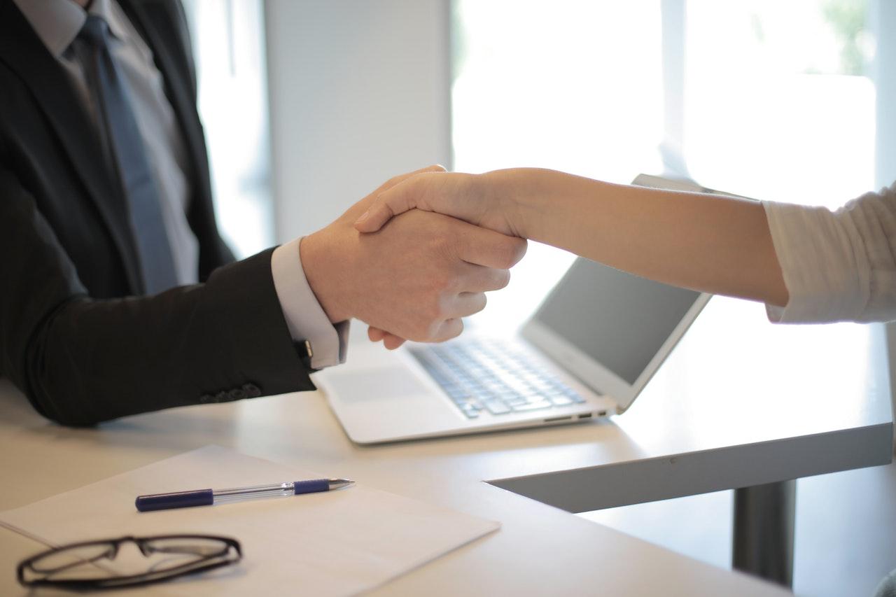 hire a business broker